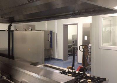 Inrichting grootkeuken rusthuis - toestellen en isolatiepanelen hygiëne
