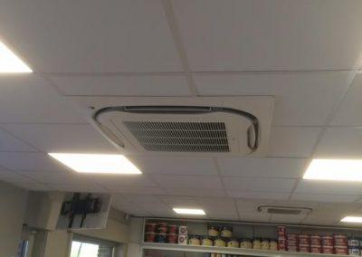 Plaatsing airconditioning en koeling winkel Ieper, west-Vlaanderen