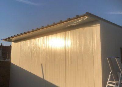 Aanbouw magazijn isolatiebouw